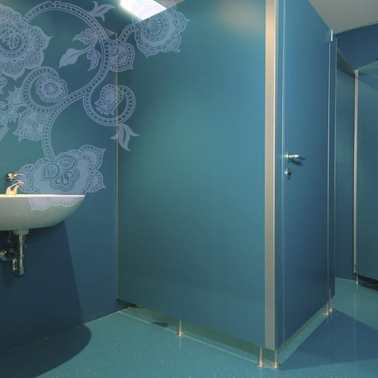 kabine za wc wc kabine wc prostor wc pregrardne stene wc kabine za javne ustanove varnostna. Black Bedroom Furniture Sets. Home Design Ideas